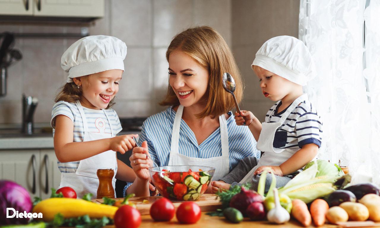 توجه بیش از حد به تغذیه کودکان و فراموش کردن تغذیه خود