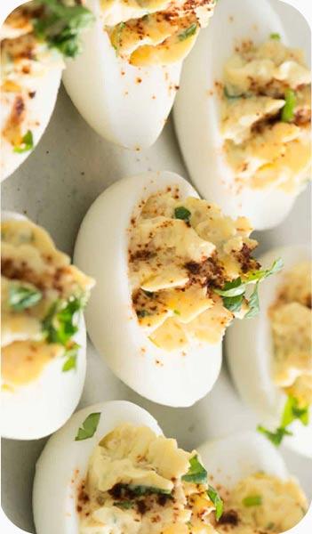 کینوا با تخم مرغ وماست یونانی